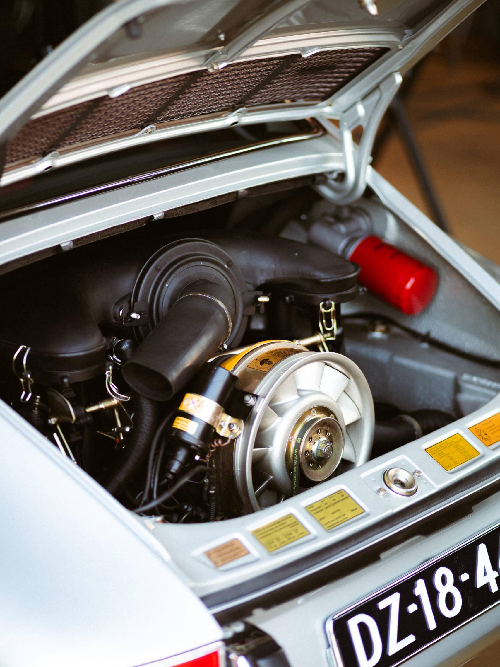 Porsche onderdeel voorbeeld tekst €150 (Rebel gereviseerd)